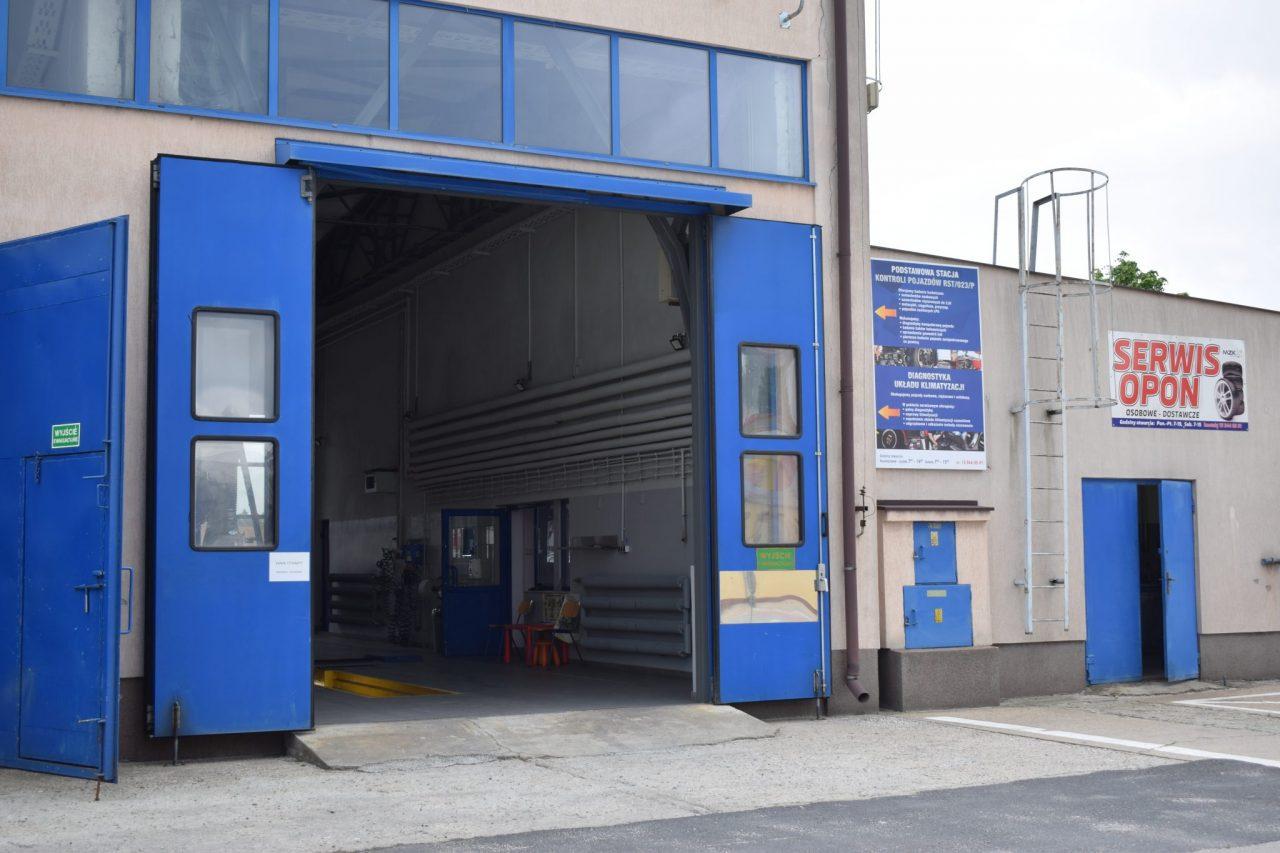 zdjęcie wjazdu do stacji kontroli pojazdów