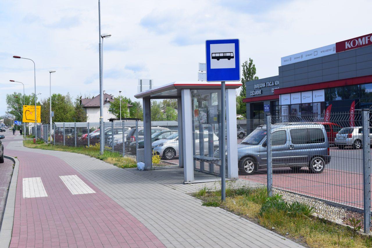 zdjęcie przystanku autobusowego