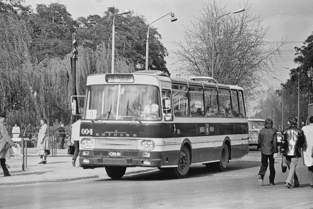 Archiwalne zdjęcie - autobus w Stalowej Woli
